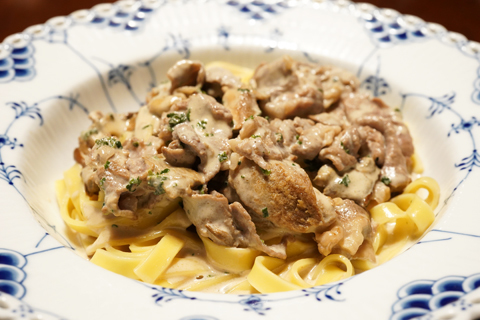 ポルチーニと牛肉のクリームタリアテッレ